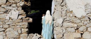 Número de mortos em terremoto sobe para 281