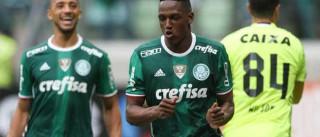 Palmeiras vence o Coritiba e mantém liderança