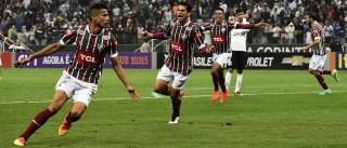 Fluminense vence o Corinthians  com gol aos 49' do 2ºT