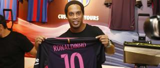 Ronaldinho Gaúcho tem propostas de três clubes, diz irmão-empresário