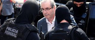 Deputados têm conversas por telefone com Cunha na prisão