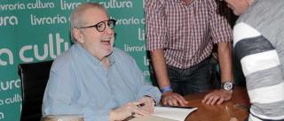 Jô Soares assina contrato com SBT e estreia no canal em 2017