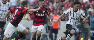 Flamengo empata com o Corinthians e vê  Palmeiras escapar