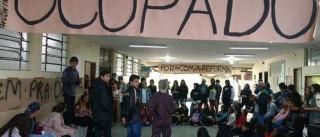 Estudante é encontrado morto em  escola ocupada no Paraná