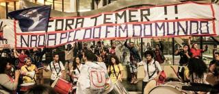 Movimentos sociais protestam na  Avenida Paulista contra PEC 241