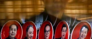 Presidente se consagra como 'líder central',  ao lado de Mao e Deng
