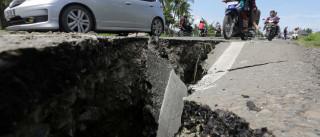Terremoto deixa ao menos 97 mortos na Indonésia