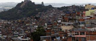 Morador é ferido em tiroteio  entre traficantes e policiais na Penha