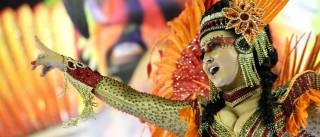 Imperatriz Leopoldinense desfila com samba sobre resistência indígena