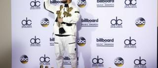 Drake bate recorde e leva 13 prêmios  no Billboard Music