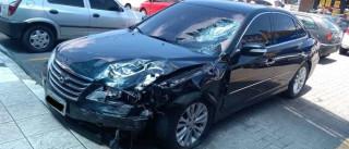 Motorista mata homem na contramão ao tentar jogar carro contra travesti