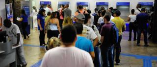 Trabalhadores já sacaram mais de R$ 37 bi de contas inativas do FGTS