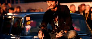 Johnny Depp pede desculpas por  brincadeira com Trump