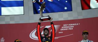 Após prova emocionante, Ricciardo vence GP do Azerbaijão