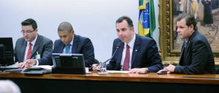 Deputados que analisarão denúncia contra Temer são citados em delações