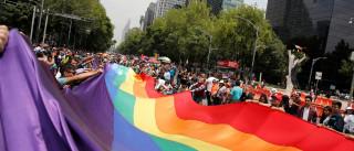 Abrigos LGBT se espalham e reúnem histórias de superação