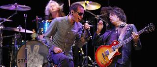 Linkin Park cancela turnê após  morte de vocalista, diz site