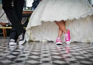 No carnaval da crise, noivos vão à Paulista juntar dinheiro do casório