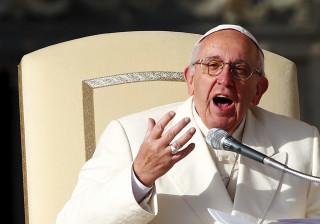 Papa Francisco pede a  'eliminação total' das armas nucleares