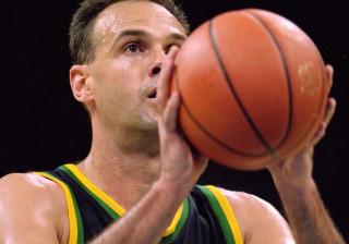 Oscar Schmidt volta às quadras para jogar na NBA