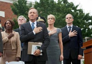 """'House of Cards': bandeira """"invertida"""" e data de estreia; veja vídeo"""