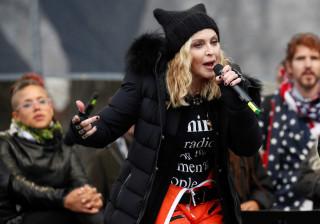 Confira as celebridades que  participaram de marcha contra Trump