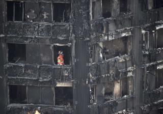 Londres evacuará 800 imóveis após incêndio na Grenfell Tower