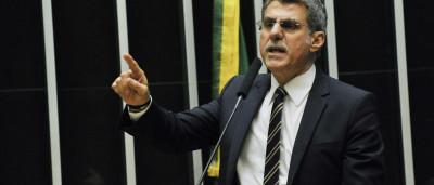 Moreira Franco e Jucá fazem confronto público