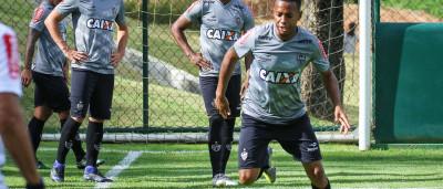 Robinho reclama de notícias sobre volta ao Santos: 'Foco é Atlético'