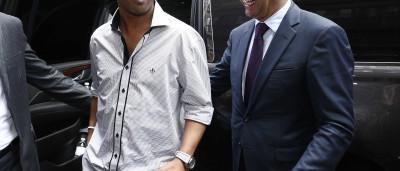 Ronaldinho pede mansão, carro de luxo e segurança a time do Uruguai