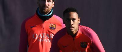 Neymar humilha Messi e marca golaço em treino do Barça; assista