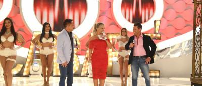 Eduardo Costa e Leonardo apresentam o 'Cabaré 2' no programa Eliana