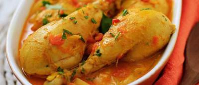 Aprenda a fazer Coxas de Frango ao Curry
