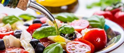 Dieta mediterrânea pode prevenir degeneração macular, diz estudo