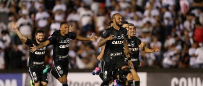 Botafogo bate Olímpia nos pênaltis  e avança na Libertadores