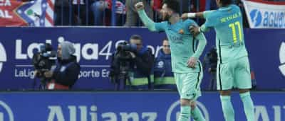 Barcelona vence Atlético de Madrid com gol de Messi no final