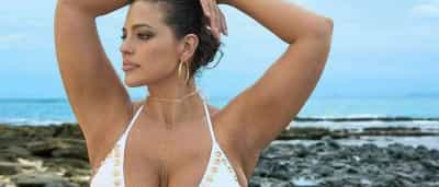 "Modelo ""Plus Size"" posa para ensaio da 'Sports Illustrated'"
