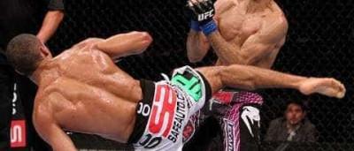 Ex-UFC deixa hospital após tentar suicídio e ser atropelado por ônibus