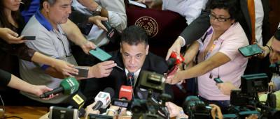 Por reeleição, governo do Paraguai  lidera manobra no Senado