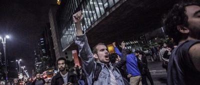 Movimentos anti-Temer fazem ato e convocam reunião estratégica