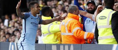 Gabriel Jesus faz golaço, City vence e se classifica para Champions