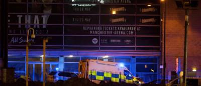 Polícia britânica confirma ao menos 19 mortes em show de Ariana Grande