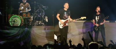 Blink-182 cancela shows com Linkin  Park após morte de cantor