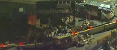 Caminhão tomba e interdita faixa na Estrada do M'Boi Mirim