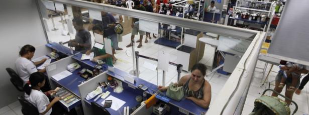 Demanda do consumidor por crédito cai 2,3% em junho