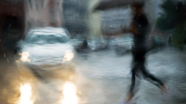 Tempo chuvoso não tem relação com dores nas articulações, diz estudo