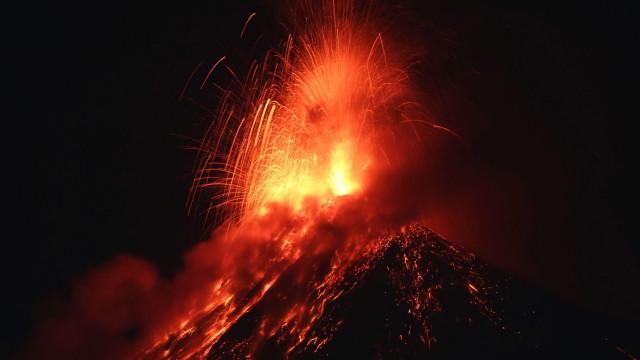 Erupção de vulcão na Guatemala deixa 25 mortos