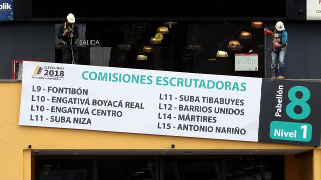 Colombianos vão às urnas neste domingo para eleger Presidente