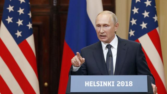 """""""Infundadas"""", diz Putin sobre acusações de envenenamentos na Inglaterra"""