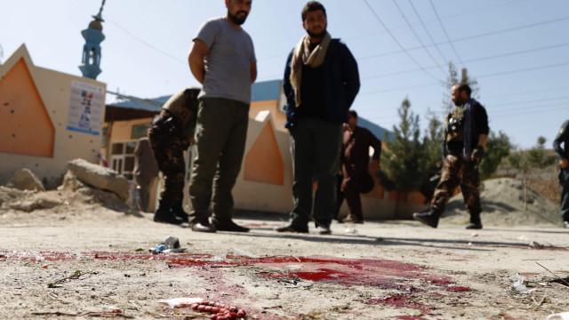 Afeganistão tem explosões, mortos e feridos em dia de eleições